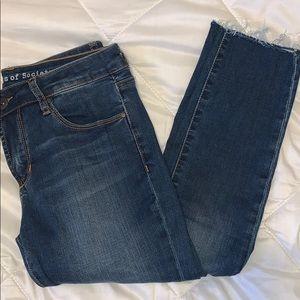 dark wash jeans !